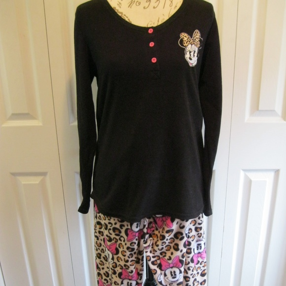 e4e482d30a Disney Other - Disney Women s Minnie Mouse Pajamas Size L